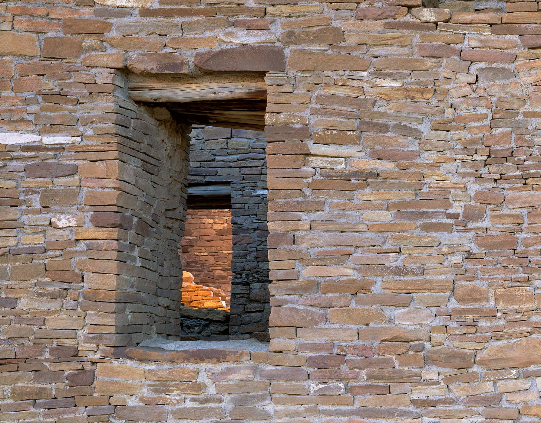 506Pueblo del arroyo Doorways, Chaco Culture National Park, New Mexico