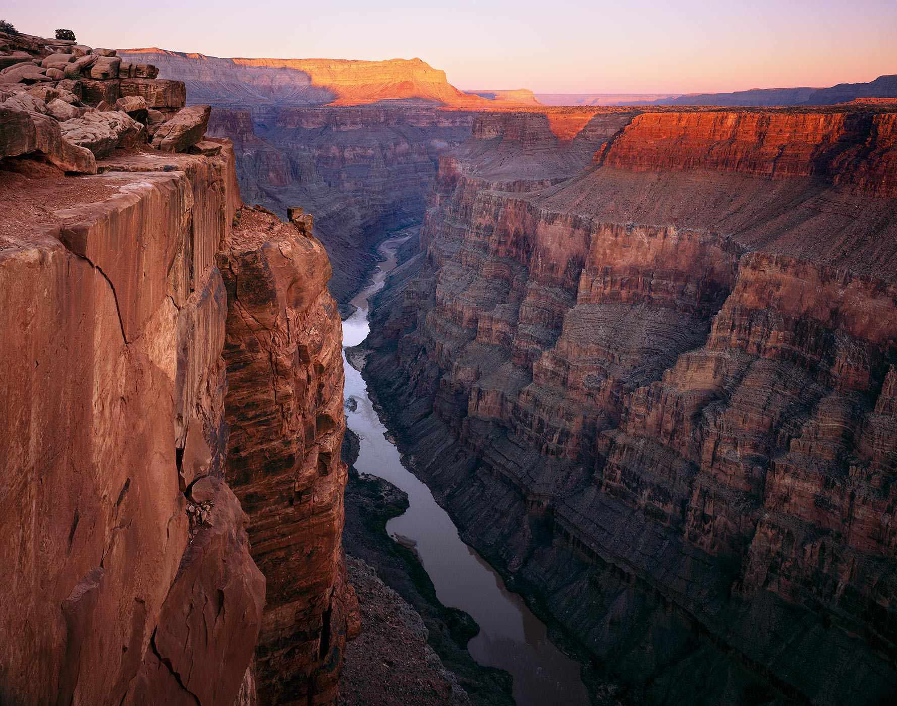 607 Cliffs above the Colorado, Grand Canyon National Park, Arizona